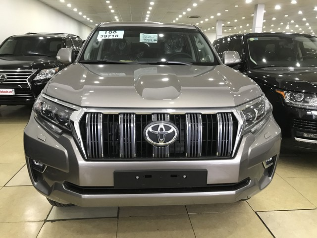 """""""Cháy hàng"""" chính hãng, Toyota Prado 2018 bị tuồn ra đại lý tư nhân - Ảnh 2."""
