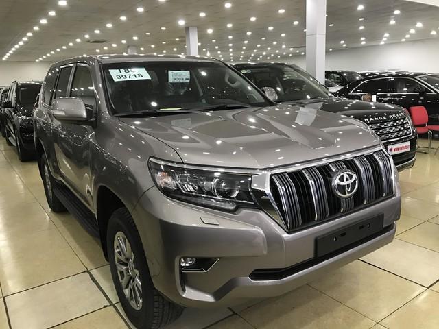 """""""Cháy hàng"""" chính hãng, Toyota Prado 2018 bị tuồn ra đại lý tư nhân - Ảnh 4."""