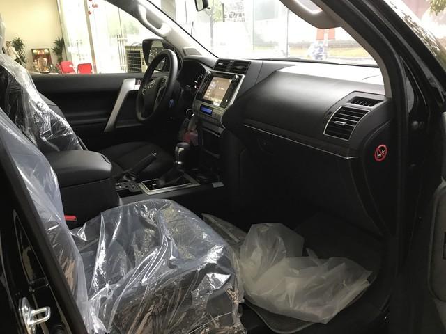 """""""Cháy hàng"""" chính hãng, Toyota Prado 2018 bị tuồn ra đại lý tư nhân - Ảnh 7."""