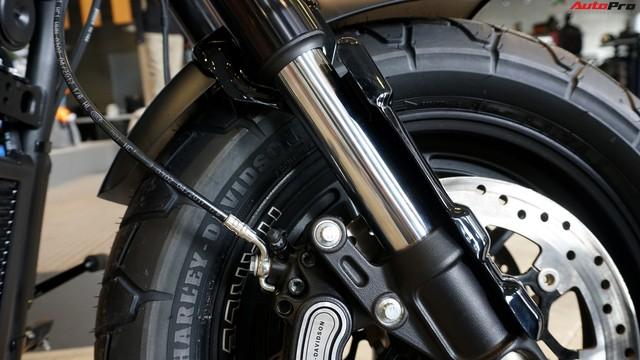 [Video] Cận cảnh Harley-Davidson Fat Bob 2018 giá gần 1 tỷ đồng tại Hà Nội - Ảnh 12.