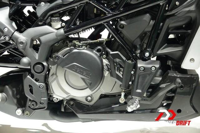 """Benelli 402S """"nhái"""" Ducati XDiavel sắp xuất hiện tại Đông Nam Á - Ảnh 4."""