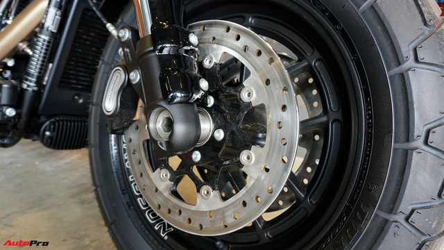 [Video] Cận cảnh Harley-Davidson Fat Bob 2018 giá gần 1 tỷ đồng tại Hà Nội - Ảnh 11.