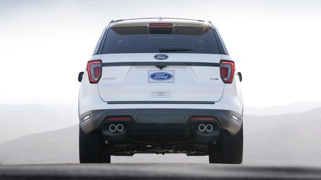 Hé lộ Ford Explorer 2020: Dẫn động cầu sau với động cơ mạnh mẽ hơn - Ảnh 2.