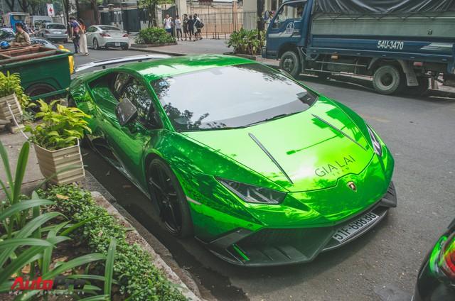 Đại gia Sài Gòn cầm lái siêu xe tụ tập ngày cận Tết - Ảnh 3.