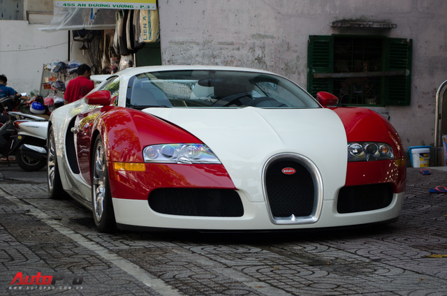 Nóng: Bugatti Veyron đổi màu trắng chính thức lộ diện, sắp về tay ông chủ cafe Trung Nguyên? - Ảnh 2.