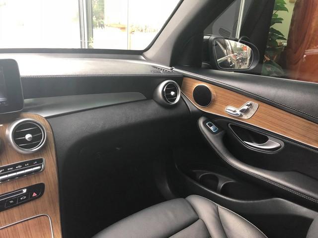 Mercedes-Benz GLC 250 lăn bánh 17.000km rao bán lại giá hơn 1,7 tỷ đồng - Ảnh 9.