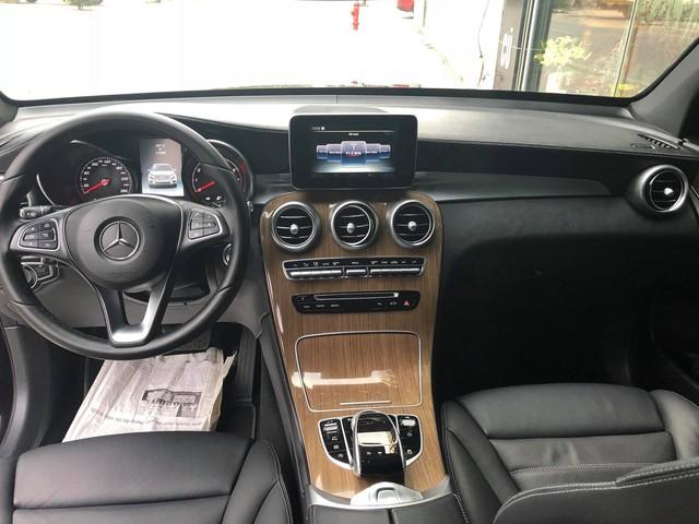 Mercedes-Benz GLC 250 lăn bánh 17.000km rao bán lại giá hơn 1,7 tỷ đồng - Ảnh 6.