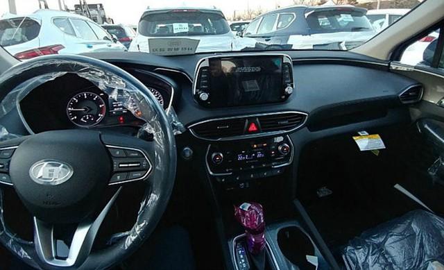 Không chỉ thay đổi thiết kế, Hyundai Santa Fe 2019 còn có nhiều công nghệ mới hơn hẳn trước đây - Ảnh 5.
