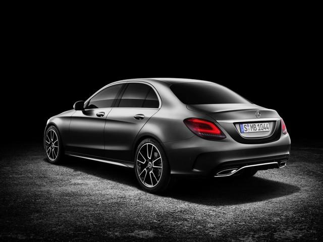 Mercedes-Benz ra mắt C-class 2019 facelift sedan và C-class 2019 wagon  - Ảnh 4.