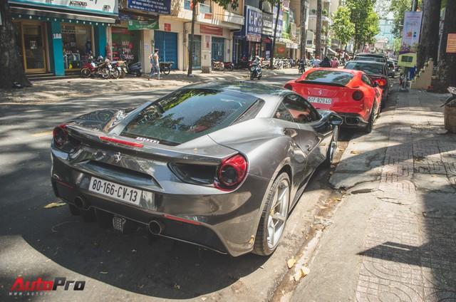 Bộ đôi siêu xe Ferrari làm đẹp đón Tết tại Sài Gòn - Ảnh 10.