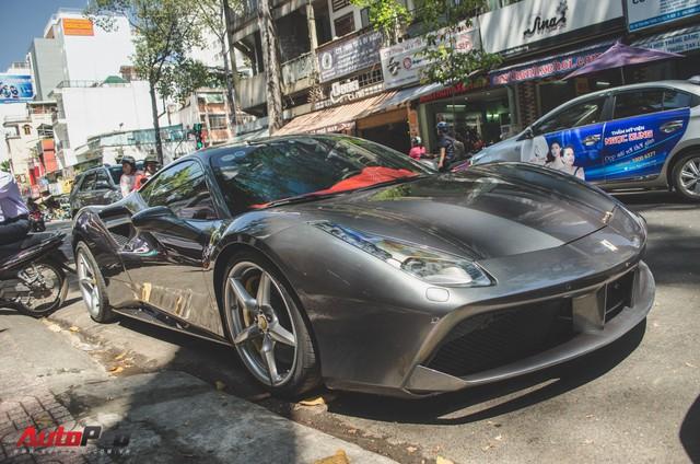 Bộ đôi siêu xe Ferrari làm đẹp đón Tết tại Sài Gòn - Ảnh 7.