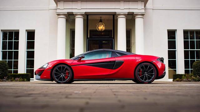 """""""Soái ca"""" tặng siêu xe McLaren cho bạn gái trong ngày Valentine"""