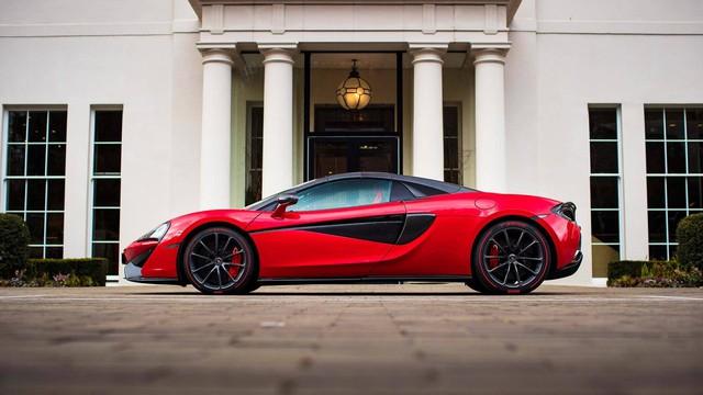 Soái ca tặng siêu xe McLaren cho bạn gái trong ngày Valentine - Ảnh 6.
