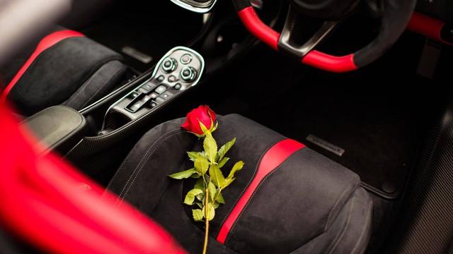Soái ca tặng siêu xe McLaren cho bạn gái trong ngày Valentine - Ảnh 4.