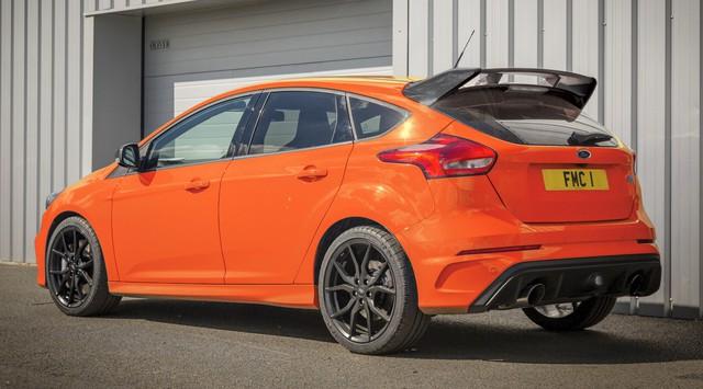 Ford Focus RS thêm bản giới hạn 50 chiếc trước khi bị loại khỏi dây chuyền sản xuất - Ảnh 1.