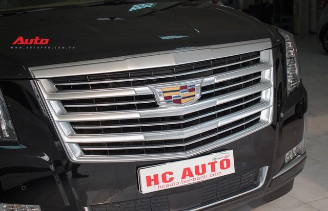 Cadillac Escalade ESV Platinum đi 8.000km bán lại được bao nhiêu? - Ảnh 5.