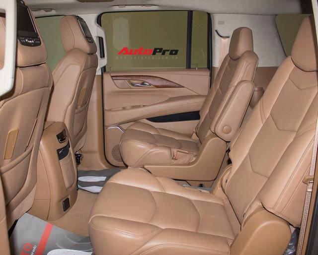 Cadillac Escalade ESV Platinum đi 8.000km bán lại được bao nhiêu? - Ảnh 9.