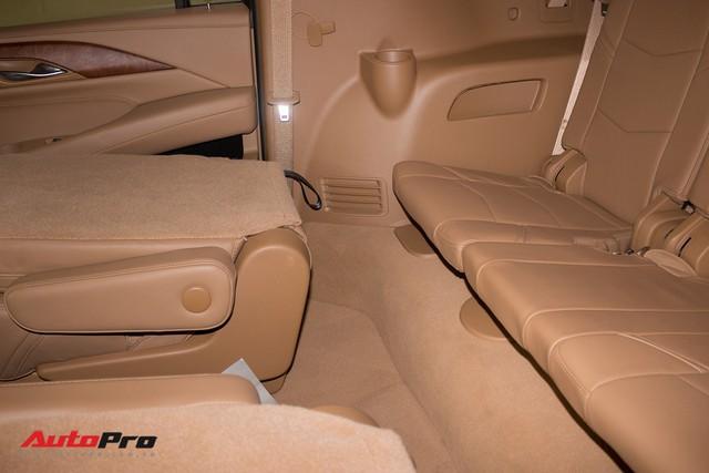 Cadillac Escalade ESV Platinum đi 8.000km bán lại được bao nhiêu? - Ảnh 27.