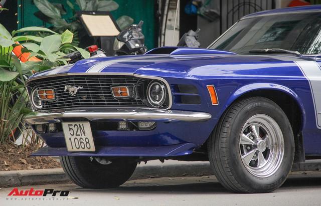 Huyền thoại Ford Mustang Fastback 1967 xuất hiện trên phố Hà Nội - Ảnh 4.