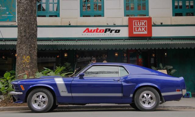 Huyền thoại Ford Mustang Fastback 1967 xuất hiện trên phố Hà Nội - Ảnh 15.