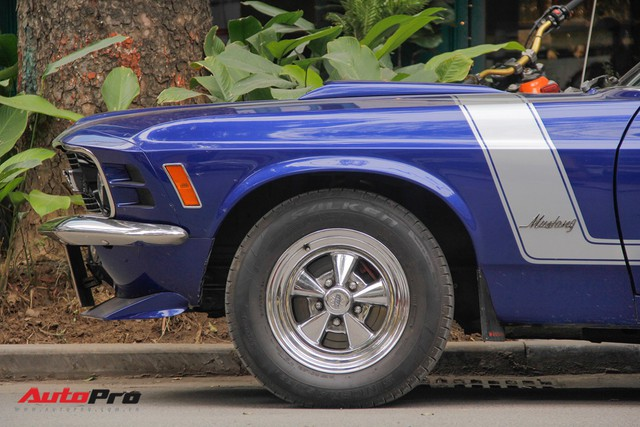 Huyền thoại Ford Mustang Fastback 1967 xuất hiện trên phố Hà Nội - Ảnh 8.