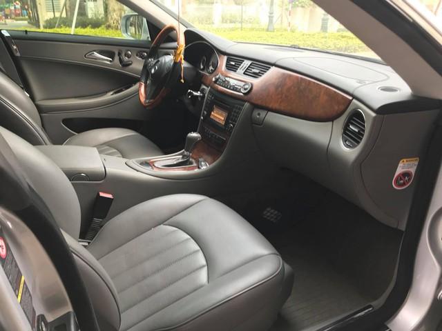 Mercedes-Benz CLS300 2010 đi hơn 51.000km bán lại giá hơn 800 triệu đồng - Ảnh 4.
