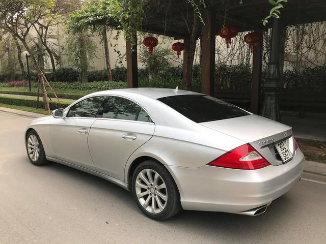 Mercedes-Benz CLS300 2010 đi hơn 51.000km bán lại giá hơn 800 triệu đồng - Ảnh 3.