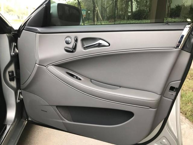 Mercedes-Benz CLS300 2010 đi hơn 51.000km bán lại giá hơn 800 triệu đồng - Ảnh 8.