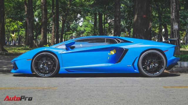 Siêu xe Lamborghini Aventador xanh dương độc nhất Việt Nam xuất hành đầu năm - Ảnh 12.