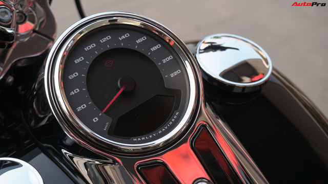 [Video] Cận cảnh Harley-Davidson Sport Glide chính hãng đầu tiên tại Hà Nội - Ảnh 12.