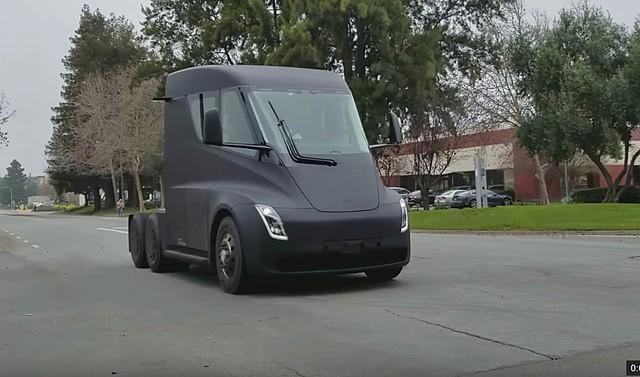 Ít ai khám phá ra những điều thú vị này của xe Tesla - Ảnh 2.