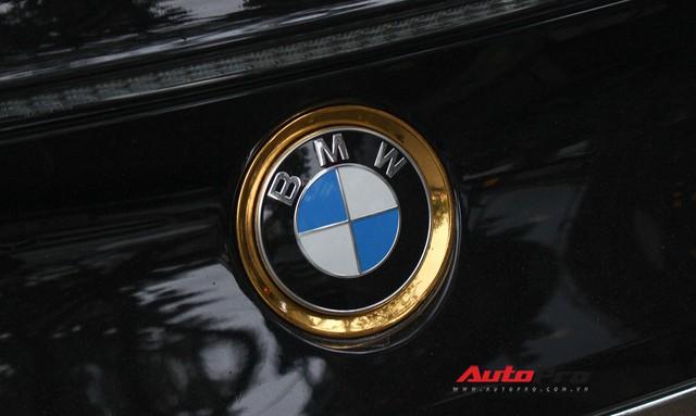 BMW i8 dán decal đổi màu chrome bạc nổi bật trên phố Hà Nội - Ảnh 11.