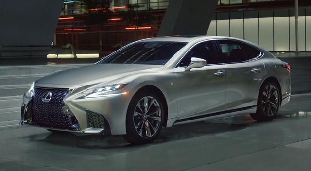 Black Panther có đủ sức giúp Lexus giải cơn khát vua xe sang tại Mỹ 7 năm qua? - Ảnh 7.