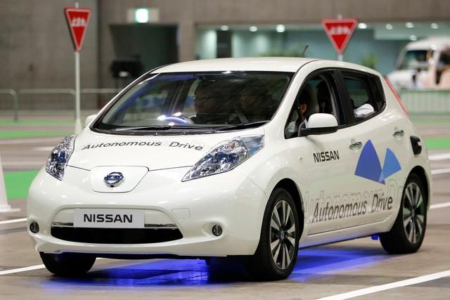 Liệu con người có còn lái ô tô vào năm 2040? - Ảnh 2.