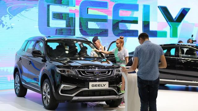 Hãng xe Trung Quốc nắm giữ Volvo rót 9 tỷ USD vào công ty mẹ của Mercedes-Benz