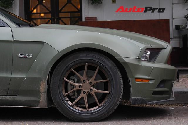 Ngắm Ford Mustang độc nhất Việt Nam độ widebody của chồng ca nương Kiều Anh - Ảnh 7.