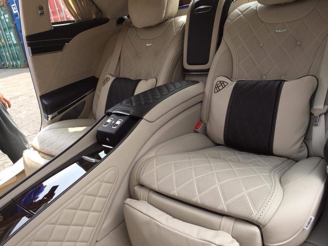 Vừa thông quan, Mercedes-Maybach S600 Pullman đầu tiên Việt Nam đã lượn phố - Ảnh 2.