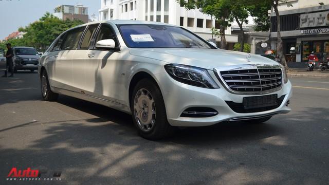 Vừa thông quan, Mercedes-Maybach S600 Pullman đầu tiên Việt Nam đã lượn phố