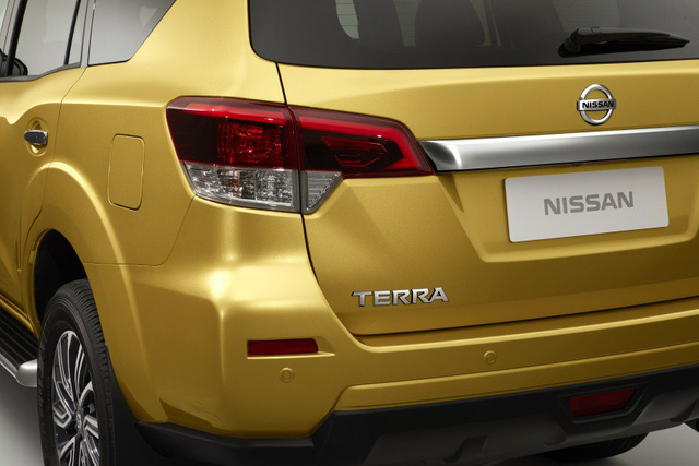 Đối thủ của Toyota Fortuner - Nissan Terra tiếp tục hé lộ hình ảnh mới - Ảnh 3.