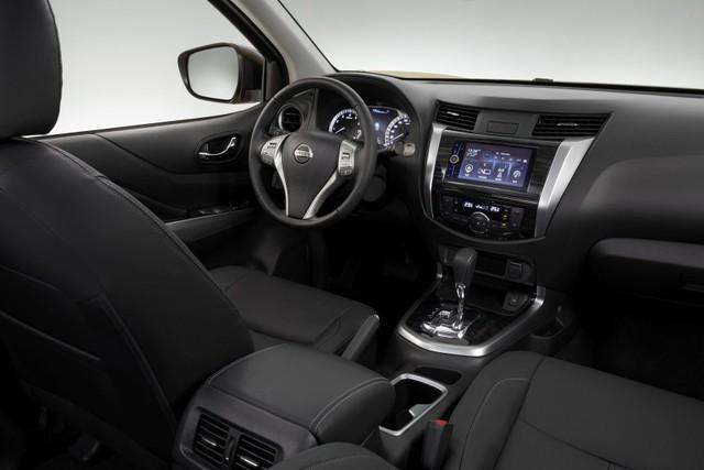 Đối thủ của Toyota Fortuner - Nissan Terra tiếp tục hé lộ hình ảnh mới - Ảnh 4.