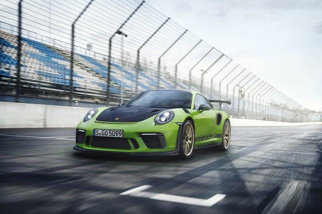 Xe đua thể thao Porsche 911 GT3 RS có giá gần 14 tỷ đồng tại Việt Nam - Ảnh 1.
