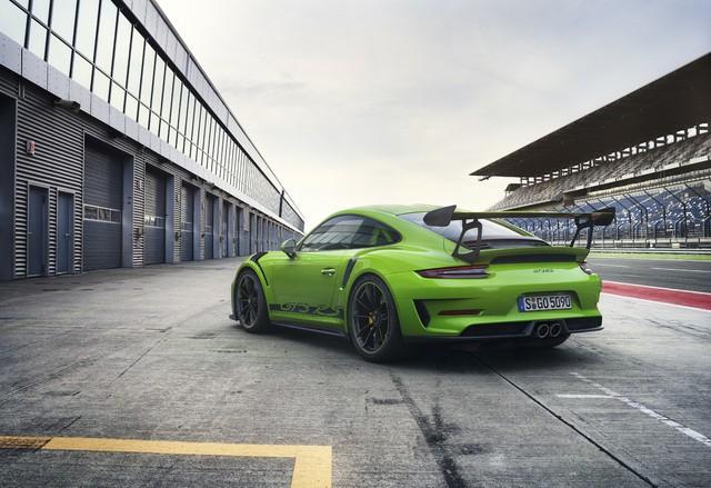 Xe đua thể thao Porsche 911 GT3 RS có giá gần 14 tỷ đồng tại Việt Nam - Ảnh 5.