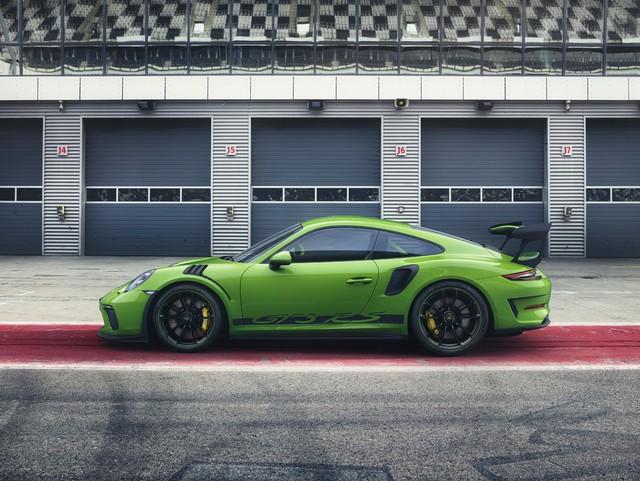 Xe đua thể thao Porsche 911 GT3 RS có giá gần 14 tỷ đồng tại Việt Nam - Ảnh 4.