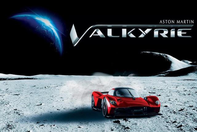 Khi người giàu chơi siêu xe: sử dụng bụi mặt trăng để sơn lên Aston Martin Valkyrie - Ảnh 1.