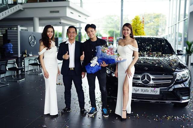 Ngô Kiến Huy mua Mercedes-Benz GLC300 hơn 2 tỷ đồng - Ảnh 4.