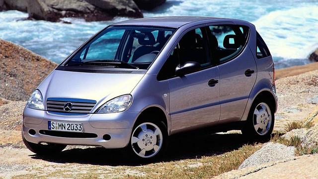 Mercedes-Benz A-Class đã trưởng thành như thế nào sau 20 năm? - Ảnh 1.