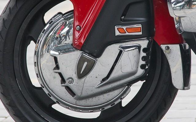Honda Gold Wing F6B 2013 lăn bánh 36.000km rao bán lại giá ngang Toyota Vios mới - Ảnh 6.