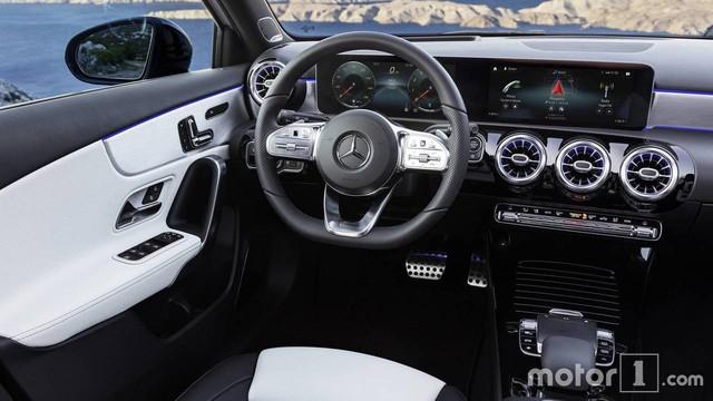 Cách phân biệt Mercedes-Benz A-Class thế hệ mới với phiên bản cũ - Ảnh 15.