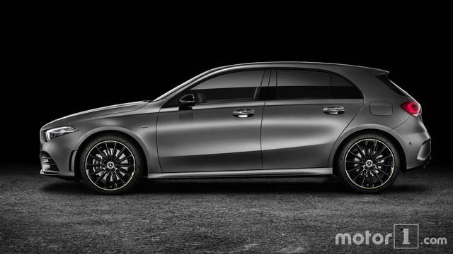 Cách phân biệt Mercedes-Benz A-Class thế hệ mới với phiên bản cũ - Ảnh 9.