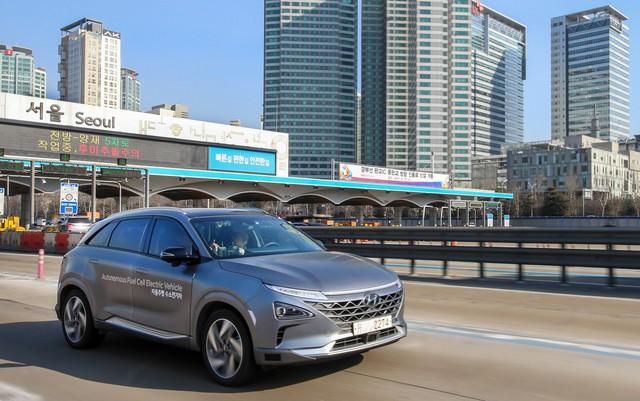 Những chiếc xe điện tự lái cấp độ 4 đầu tiên trên thế giới vượt hành trình gần 200 km - Ảnh 4.